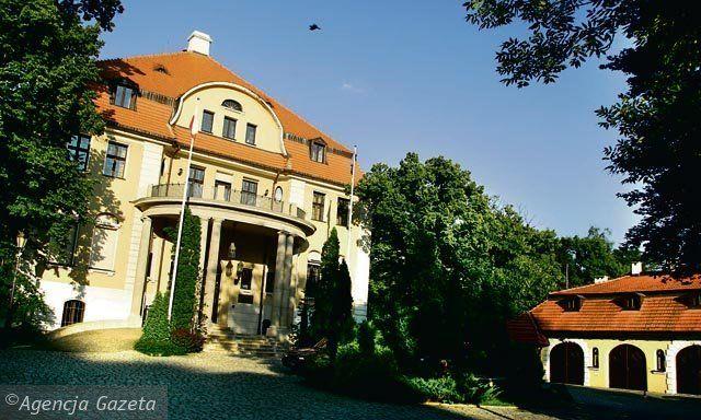 Pałac Wilhelma Schweikerta(1912 r.) obecnie mieści się tu Instytut Europejski. Łódź
