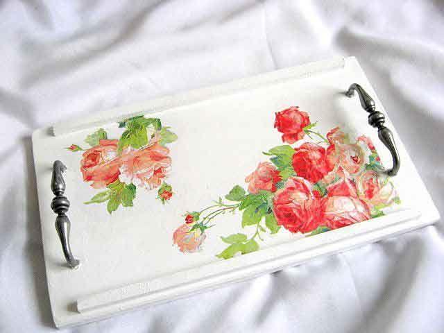 #Tavă #lemn, tavă #servire mic #dejun cu #design de #trandafiri #roz şi #roşii / #Wooden #tray, #breakfast tray with #pink and #red #roses design / #나무로되는 #쟁반, #분홍색과 #빨간 #장미 #디자인을 #가진 #조반 #쟁반 http://handmade.luxdesign28.ro/produs/tava-lemn-tava-servire-mic-dejun-cu-design-de-trandafiri-roz-si-rosii-26865/