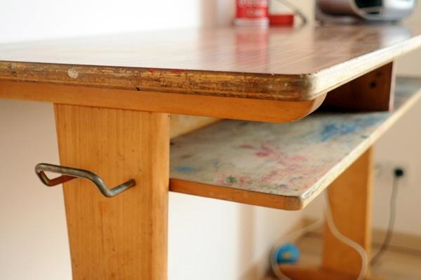 Geretteter Schultisch in sauber und schön