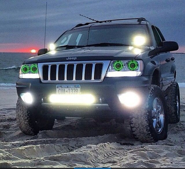 JEEP GRAN CHEROKEE  LOOKING GOOD!!!!