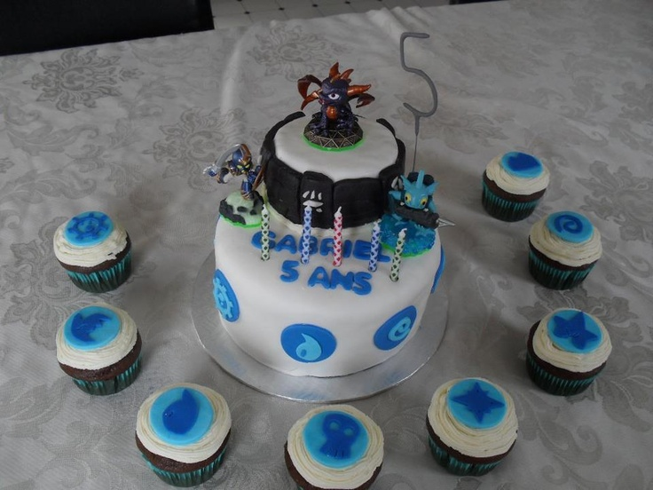 A Skylanders cake with cupcakes(!) from our Facebook fan Cynthia! Thanks for the submission! Use ...