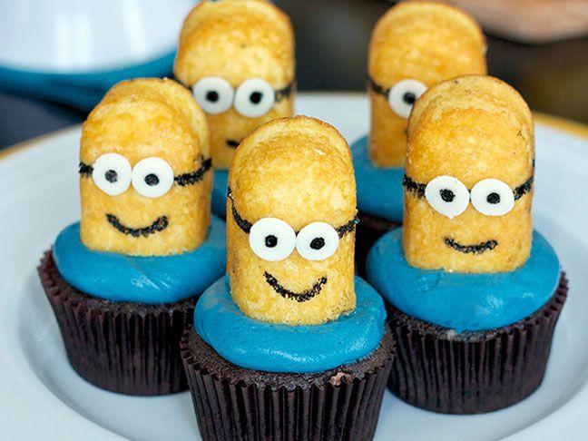 15 Easy-to-Make Minions Cupcakes & Cakes | Dessert | BIrthday party ideas