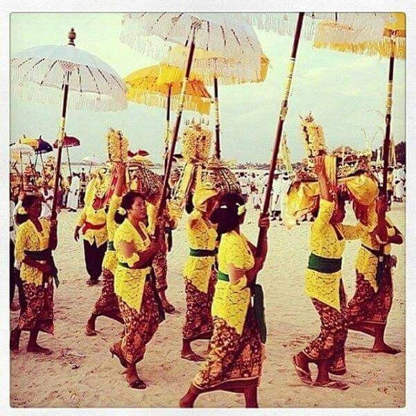 Melasti procession via Best in Bali Now