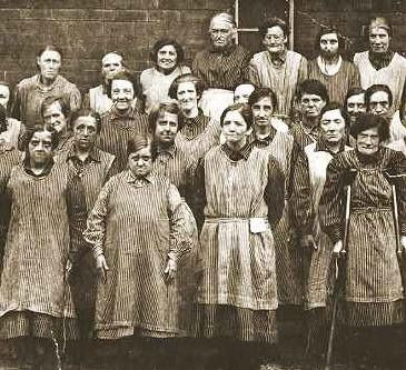Workhouse women, Leeds, England. c 1900