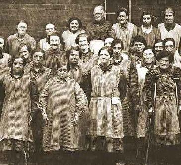 Workhouse women, Leeds, England. c 1900