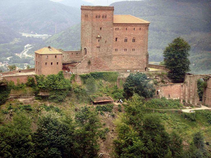 Trifels - aus der Hubschrauberperspektive - Palatinate Forest - Wikipedia, the free encyclopedia