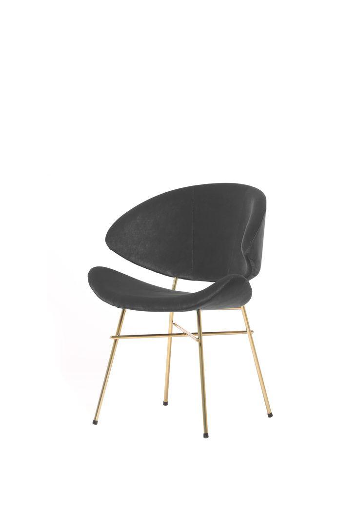 Zachwycające krzesło Cheri Gold marki Iker doda wnętrzu blasku. Znajdź więcej na: www.euforma.pl #iker #cheri #krzesło #chair #home #design #livingroom