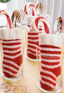 o que é uma idéia bonito para uma mesa de café da manhã de Natal ...  cumprimentos de Crate & Barrel :)
