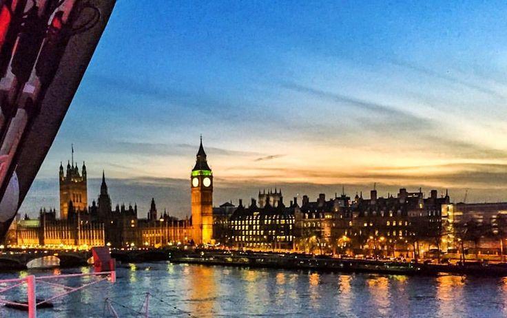 Stasera #buonanotte così: un po' di sana nostalgia per questa meravigliosa città, che mi è rimasta nel cuore, ogni tanto ci sta ❤️ . • #Londra  • . #beautifulplace #london #impossibilenonamarla #amoviaggiare #collezionarericordi