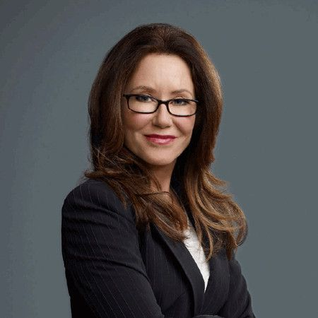 Mary McDonnell wiki, affair, married, Lesbian with age, height