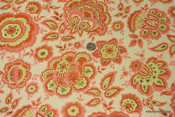 Vintage Wallpaper Retro Pink.