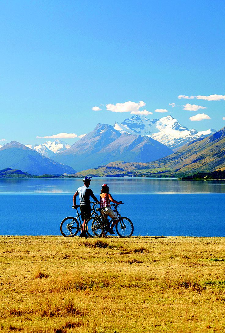 Lake Wakatipu, Queenstown - Cycling