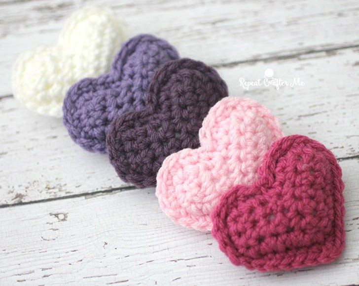 Crochet Puffy Hearts - Repeat Crafter Me by Sarah Zimmerman