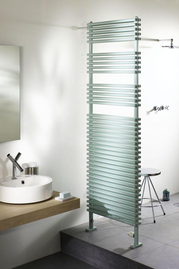 les 25 meilleures idées de la catégorie radiateur seche serviette ... - Chauffer Une Salle De Bain Avec Un Seche Serviette
