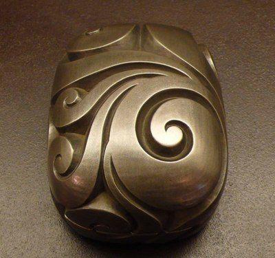 鎌倉彫:後藤圭子 手刳箱唐草(てぐりばこからくさ)