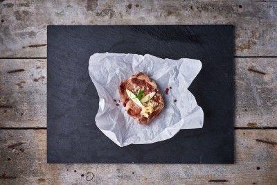Fokhagymás tejben pácolt grill tarja (kg) Rendelés: http://gourmetbox.hu/shop/sous-vide-husok/fokhagymas-joghurtban-pacolt-grill-tarja/