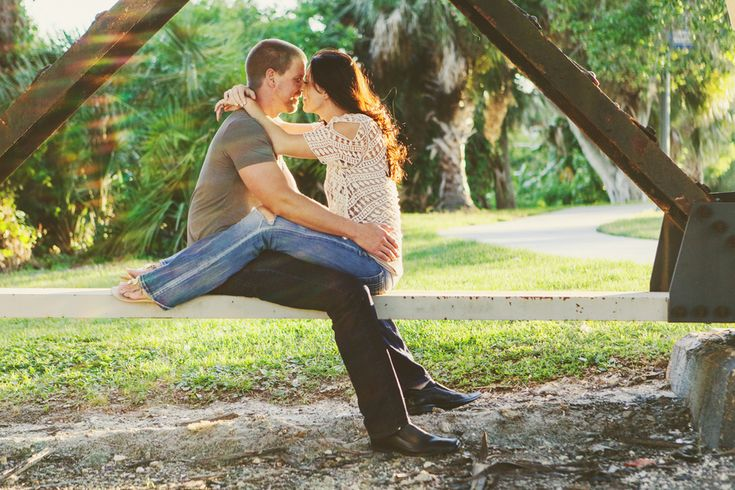 Let's Kick Off This New Year Right   A Fun Engagement Shoot with an Adorable Couple