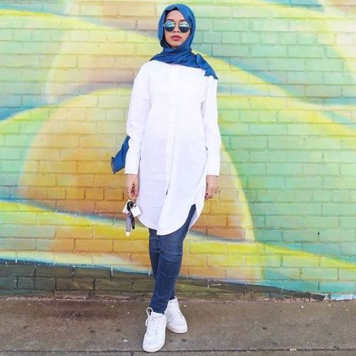 white long shirt hijab outfit- Beautiful hijab trends 2016 http://www.justtrendygirls.com/beautiful-hijab-trends-2016/