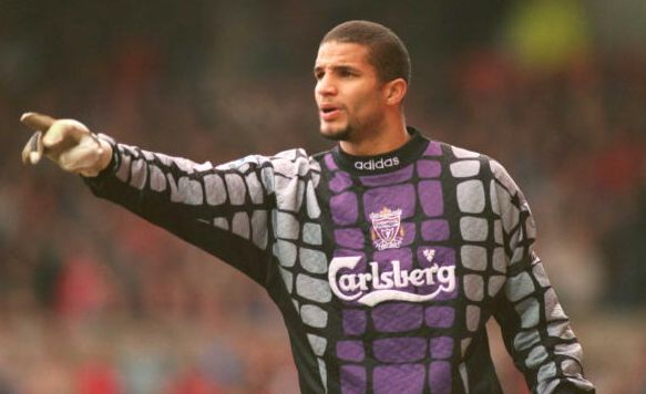 Liverpool fans rage as David James defends Simon Mignolet [Tweets]