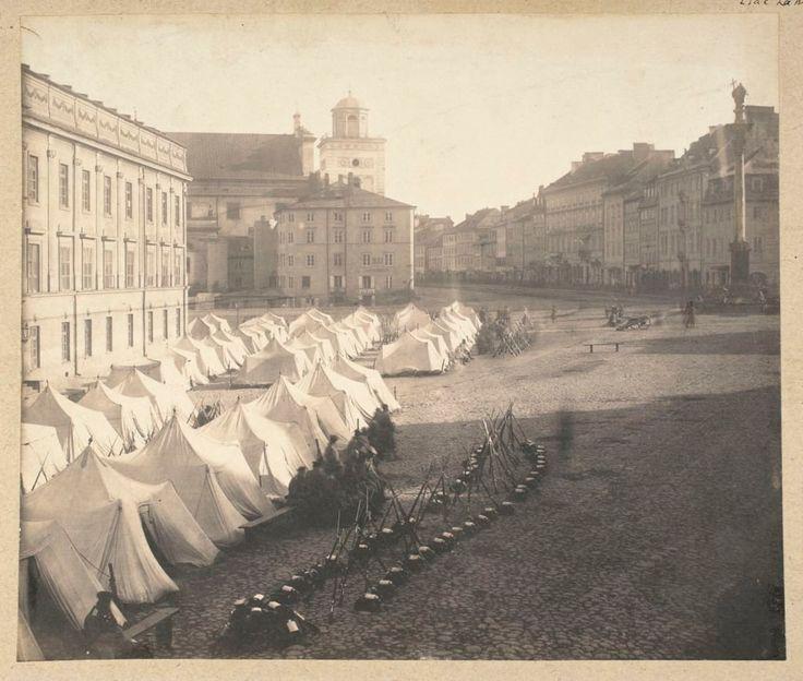Karol Beyer/ Muzeum Narodowe w Warszawie Namioty wojska rosyjskiego na placu Zamkowym po wprowadzeniu przez Rosjan stanu wojennego 14 października 1861, Warszawa