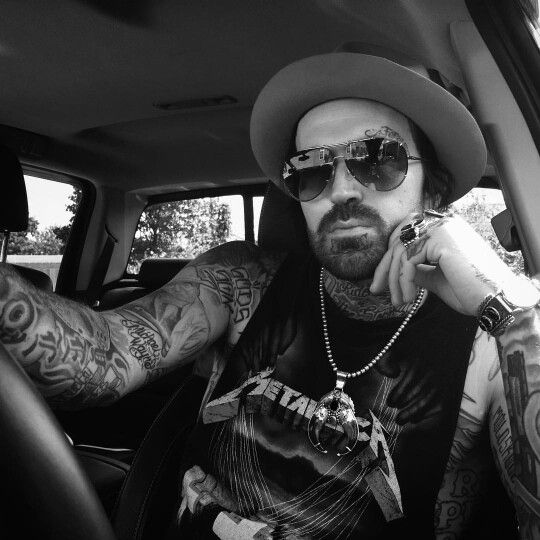 Yelawolf in the Chevy!