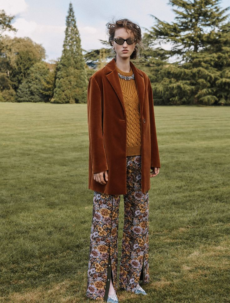'Something in the heirlooms'Love this shot of our Pre fall 17 brocade trousers, pick up the latest Grazia UK 🌳Styled by Gemma Hayward Ph by Brian Daly#motherofpearl #graziaUK #editorial