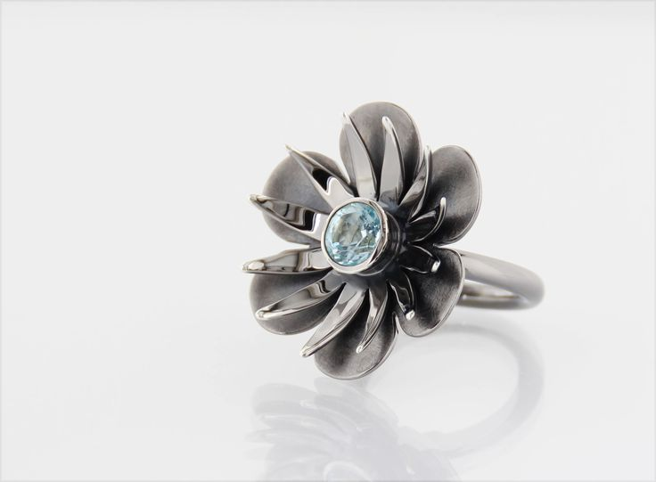 BLACK BEAUTY* handmade ring in oxidized silver, faceted topaz