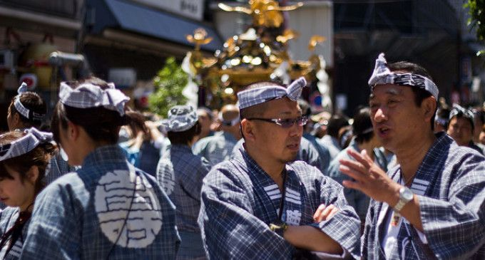 #SanjaMatsuri, où quand les #Yakuza s'exhibent au #Japon ! Découvrez l'article de @tunimaal sur ses #expériencesvoyages sur ce #festival #Japan #travel #celebration #Asia