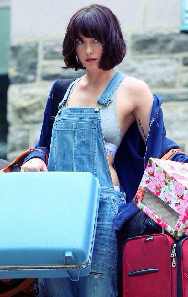 Dakota Johnson 'How to be Single' movie set, May 5