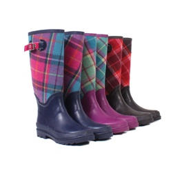 Ness...love this store! I have a pair of these wellies and love them :-)