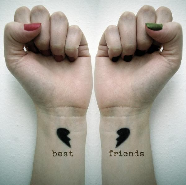 tatuajes amigas, tatuajes pequeños, tatuajes corazón, tatuajes complementarios, tatuajes