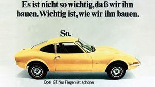 """Opel - 1968 - Opel mainosti GT-mallia iskulauseella """"Vain lentäminen on parempaa""""."""
