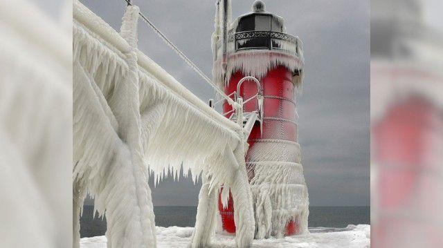 Lac Michigan banquise 15 640x359 Le Lac Michigan gelé par les températures glaciales