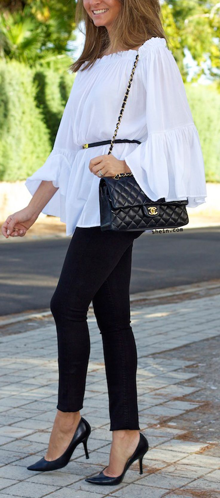 White & black look. Amazing white lace top with black belt.