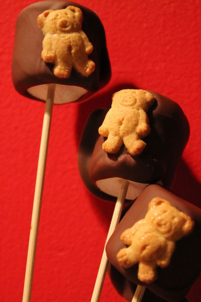 You will definitely want some more Teddy Smores. An easy recipe for you and your little ones to do together. All you need to make these delicious treats are :  Kraft Jet Puffed Large Marshmallows, Nabisco Teddy Grahams, and a large Hershey's Milk Chocolate Bar and BBQ wooden Skewers