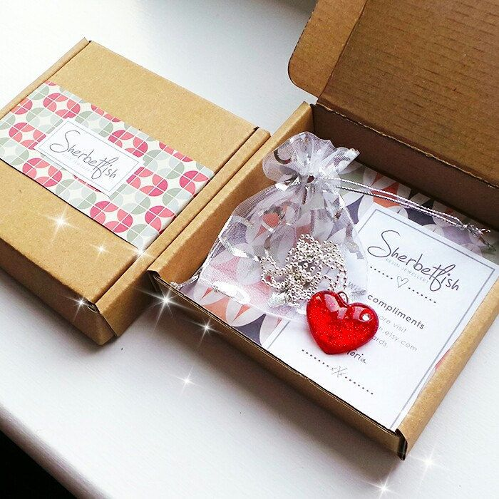 Red sparkly heart resin necklace in gift packaging ❤