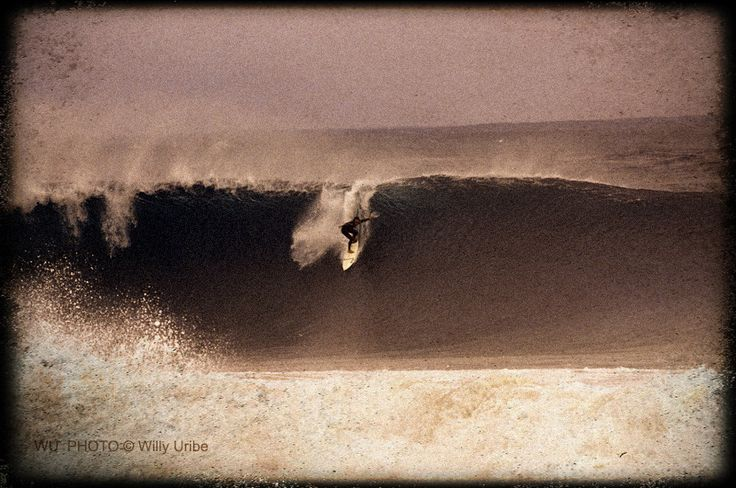 David Sastre surfing Pichicuy Chile big waves 900-PIX Surf Photography WU  PHOTO © Willy Uribe