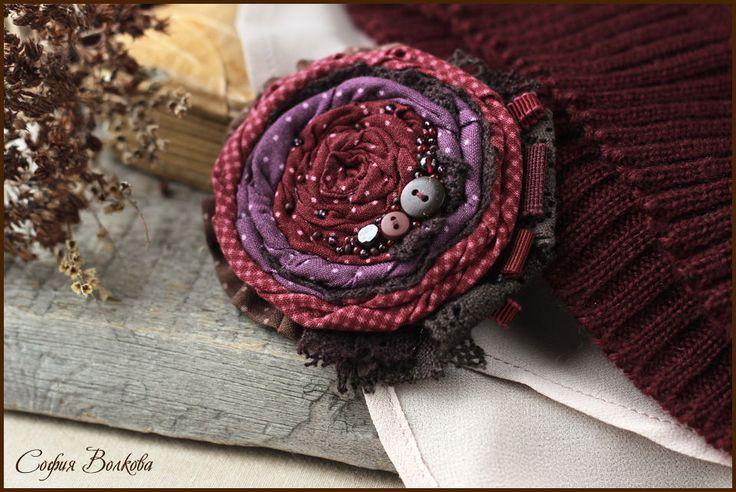 """Купить Брошь """"Терпкий вечер"""" - текстильная брошь, роза, бордо, роза из ткани, фиолетовый, бордовый"""