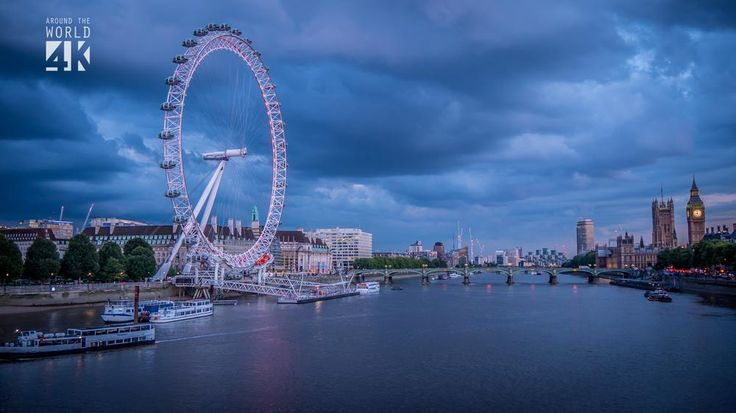 London falls into a storm spell as dusk sets in. The contrast between the river's calm and the restless sky shows the restraint of the city facing the oncoming rain.