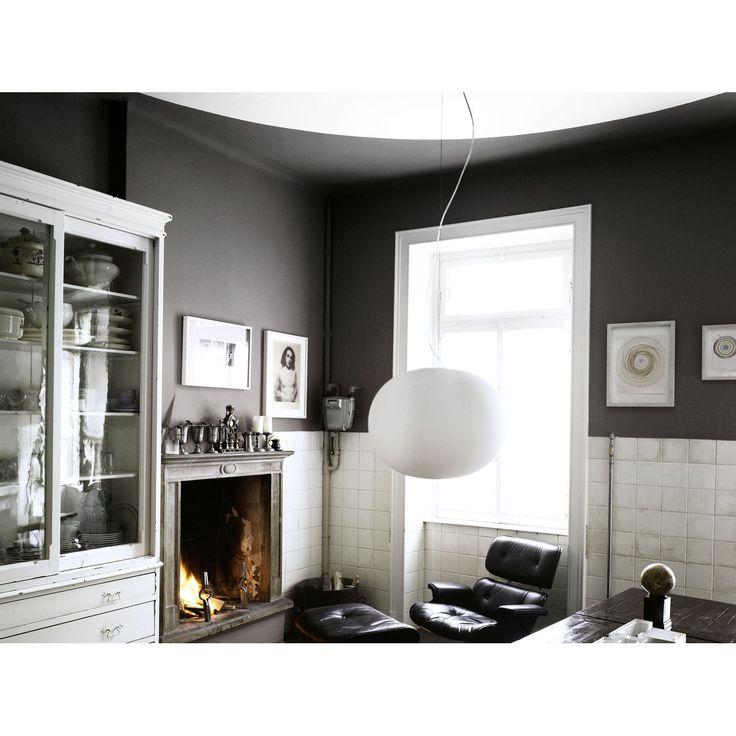 Glo-Ball lampe fra Flos, designet av Jasper Morrison. Glo-Ball er en serie stilfulle lamper i hå...
