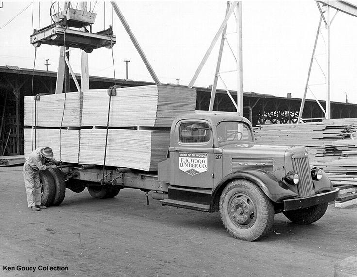 dd04c938e09c18f8ef4c5094ecccf677 watermelon old trucks