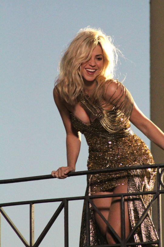 Shakira Hairstyle-Hair Colors