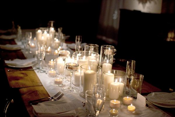 candlelit tables: Floral Centerpieces, Tables Sets, Idea, Wedding Receptions, Flowerless Centerpieces, Candles Centerpieces, Candles Holders, Floral Decor, White Candles