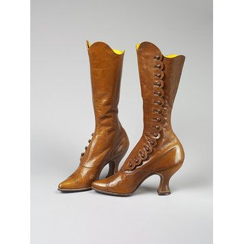 Fashionable Viennese kid leather boots by Anton Capek, 1895-1915. l Victoria and Albert Museum