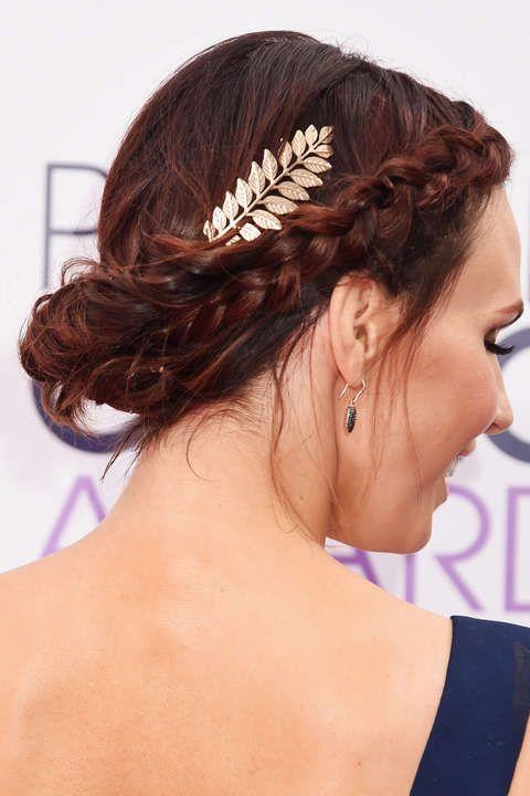 Auf funkelndes Lametta können wir verzichten - wir tragen Silber, Gold und Glanz lieber im Haar: sieben festliche Styling-Ideen für jede Länge