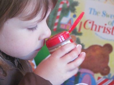 The Five Senses of Christmas: Smell - Pinned by @PediaStaff – Please visit http://ht.ly/63sNt for all (hundreds of) our pediatric therapy pins