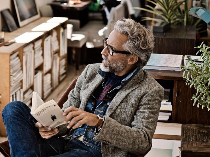 les 25 meilleures id es de la cat gorie coiffure pour homme 40 ans sur pinterest coiffure. Black Bedroom Furniture Sets. Home Design Ideas