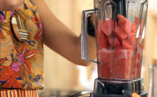 Suco de melancia com gengibre: receita da Bela Gil - Bela Cozinha - GNT