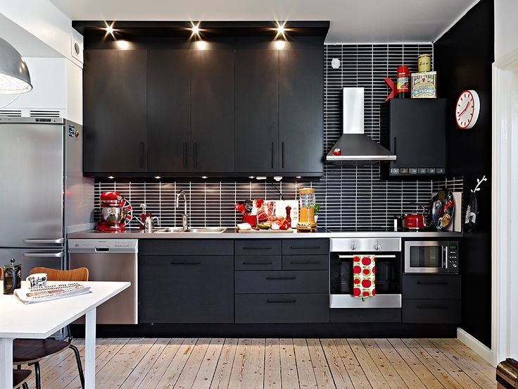 Scandinavian dark: Dark Kitchens, Beautiful Kitchens, Casa Ideal, Bestfriends Girlfriends, Kitchen, Modern Kitchens, Black Wall