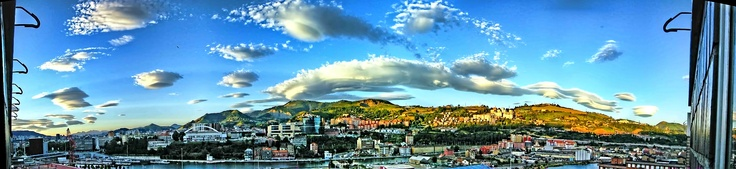 Bilbao: clouds and southern wind / nubes y viento Sur.